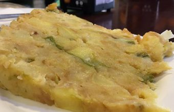La tortilla de patatas, pimiento y cebolla de la cafetería Bohemia