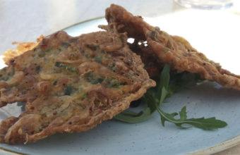 Las tortillitas de camarones y algas de La Casa del Farero