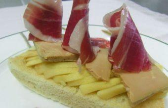 La tosta de foie con manzana asada y jamón de Jabugo del Ventorrillo del Chato