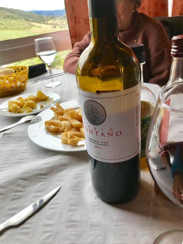 La botella de Fabio Montano fotografiada por el tapatólogo Antonio Cózar en el restaurante Los Cuatrro Vientos de Prado del Rey.