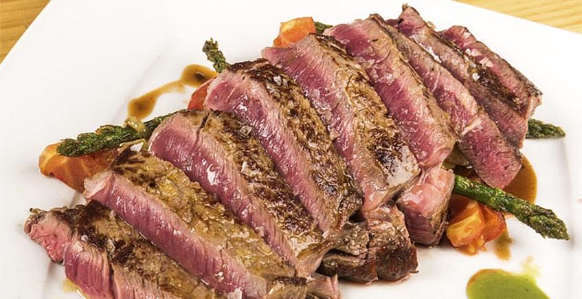 Lomo alto de Retinto con verduras de temporada del restaurante Albores