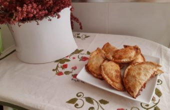 Empanadillas rellenas de dulce del leche