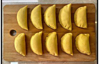 Empanadilla de estofado de papas con carne