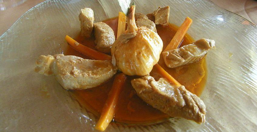 Atún en escabeche suave de Conil del restaurante El Roqueo