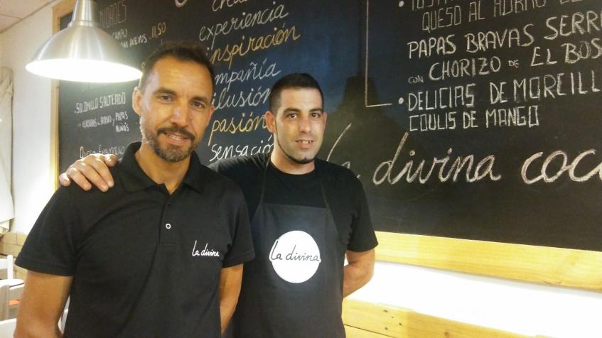 Antonio Galindo, propietario de La Divina con su jefe de cocina Angel Benitez, autor de esta tapa. Foto: Cosasdecome