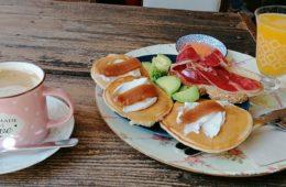 El desayuno Manhattan de El Café de Ana