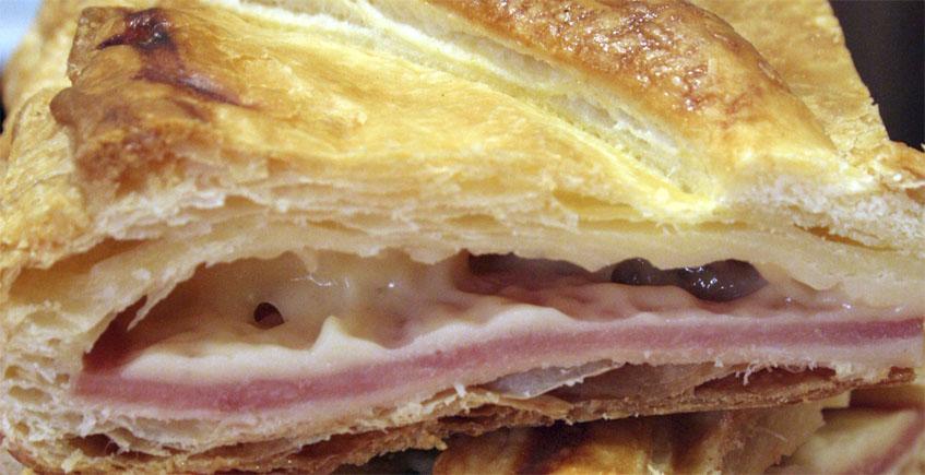 La empanada de jamón, queso y dátiles de Antonia Butrón