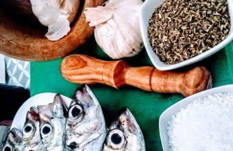 El adobo magistral de pescado del Bar El Dique de Sanlúcar