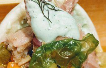 Bocadito de melva, verduras en escabeche y lechuga de mar