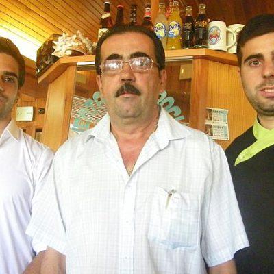 Pedro Pérez Seijo junto a sus hijos