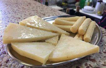 El queso emborrao del güichi del Guerra (peña La Bandurria)