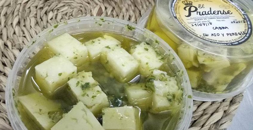 Los taquitos de queso con ajo y perejil de la Quesería El Pradense