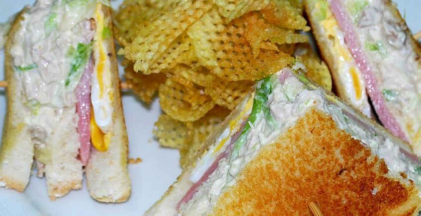 El sandwich de pollo del Bar Terraza Gipsy