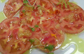 Videoreceta: El tomate aliñado de la Venta La Duquesa