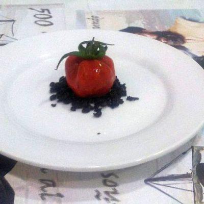 Un trampantojo: tartar de mejillón y merluza. Todas las fotos han sido cedidas por el establecimiento.