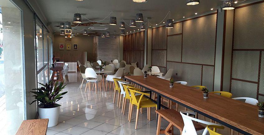La Panadería San Antonio duplica su cafetería