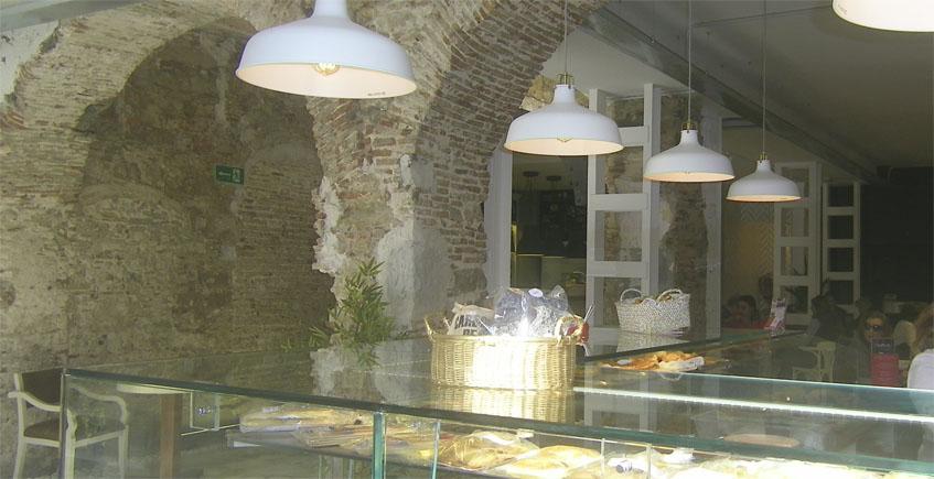 """La pastelería Okay abre nuevo establecimiento en la plaza Alta de Algeciras bajo su nuevo concepto """"multiespacio"""""""