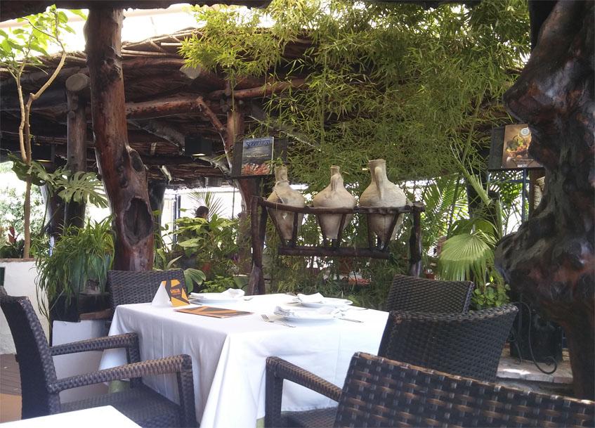 Vista del comedor de La Castillería de Vejer. Foto: Cosasdecome