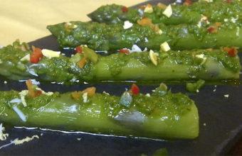 La vinagreta de espárragos, uno de los platos estrella del Mesón Sabor Andaluz