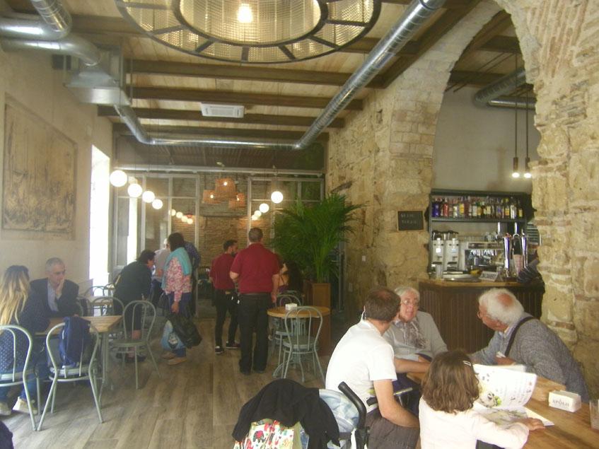 Vista de los  nuevos salones del Bar Apolo. Foto: Cosasdecome