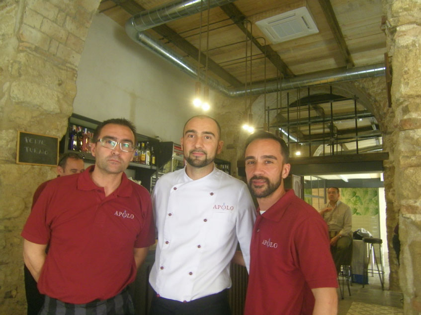 Los hermanos Benitez en el nuevo establecimiento. Foto: Cosasdecome