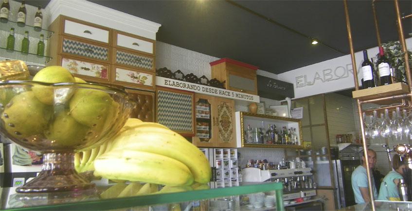 La Tarifeña abre nueva pastelería frente al puerto de Tarifa
