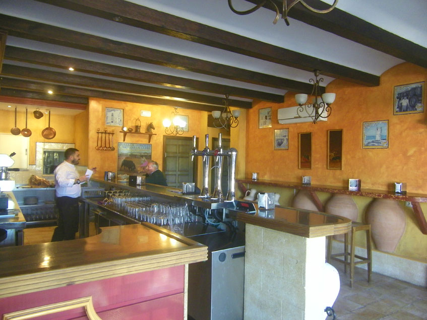 Zona de barra de Casa Bernardo. Foto: Cosasdecome