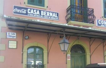 Imagen exterior de Caaa Bernal.