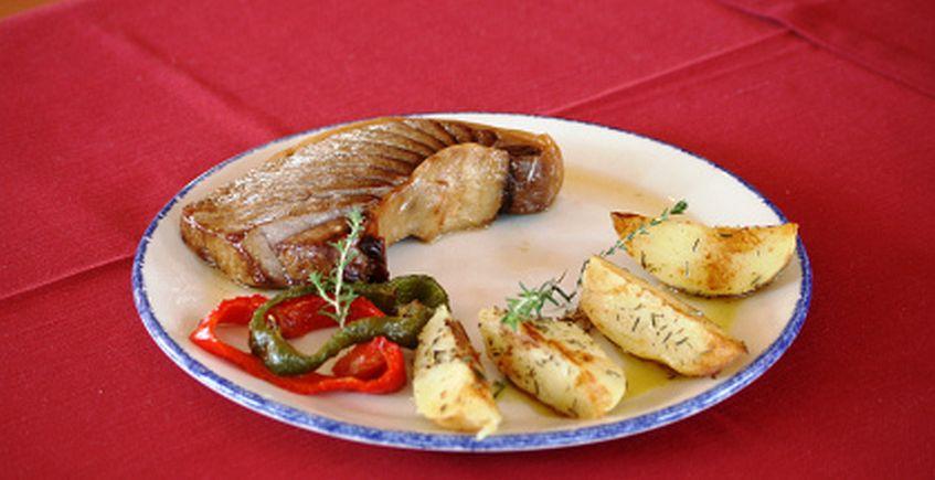 Accesit I: Barriga de Atún al horno con Patatas al Tomillo, Restaurante Venta Nueva Alegría