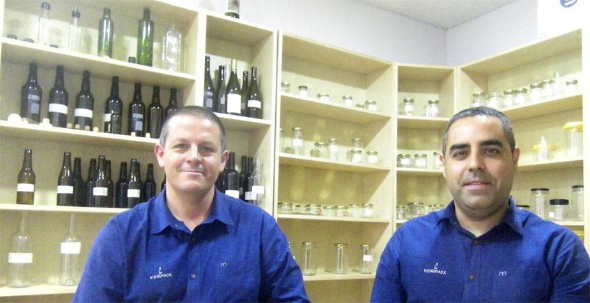 Dos ex trabajadores de la fábrica de botellas de Jerez crean una distribuidora de envases de cristal y plástico especializada en alimentación y bebidas