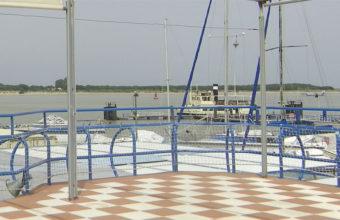 La terraza del restaurante del Real Club Naútico de Sanlúcar tiene unas estupendas vistas. Foto: Cosasdecome