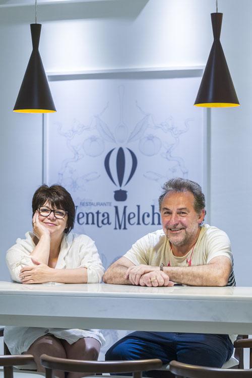 Petri Benitez y Juan Carlos Almazo en el nuevo establecimiento. Foto: Julio González