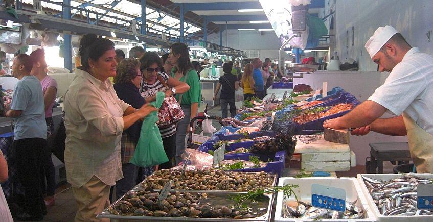 El Mercado de La Línea celebra cien años soñando con un Rincón Gastronómico