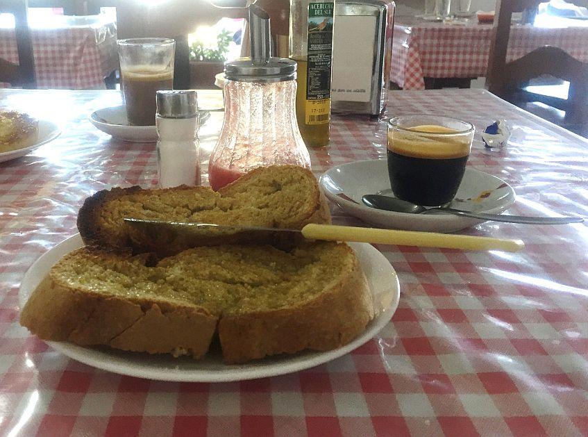 cuchillo-enfoscador-autora-stefania-vicini-titulo-desayuno-venta-la-higuera-el-colorado847