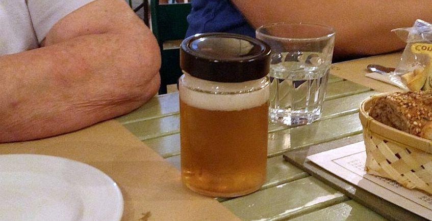 Un tarro cerrado para la cerveza sonámbula