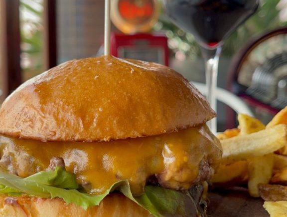 Angus cheeseburger en Kinos de Jerez