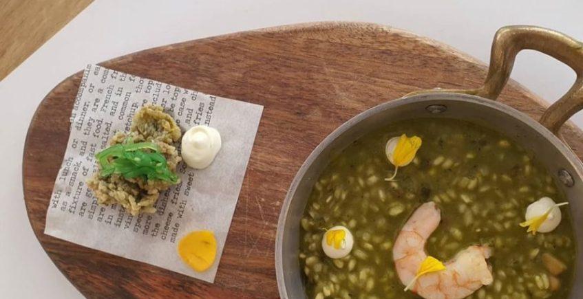 Arroz de ortiguillas, platón marino y mayonesa de ajos de El Arbol de Chiclana