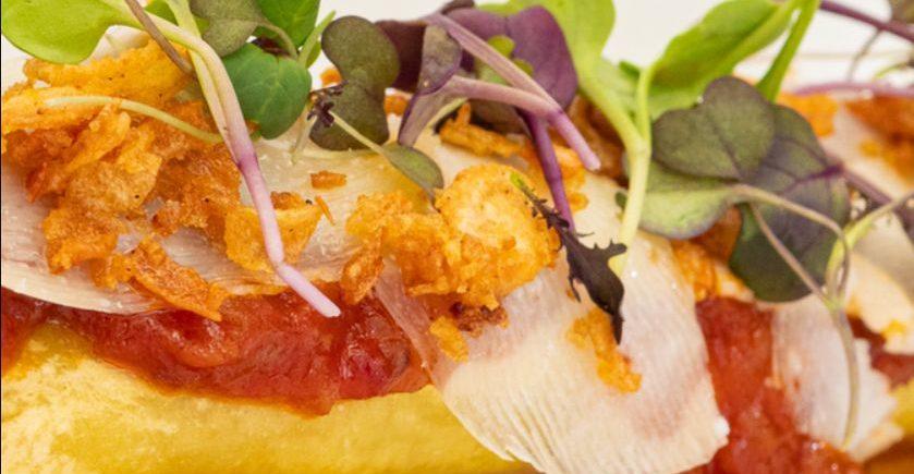 Canelón de ternera retinta con tomate frito y payoyo de El Espejo de Sanlúcar