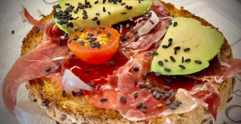 Desayuno de la cafetería de Chiclana de Antonia Butrón