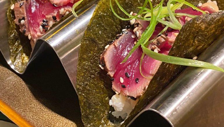 El taco de tataki de atun rojo salvaje de El Chile Habanero Origen, el Chile Habanero del centro de Jerez