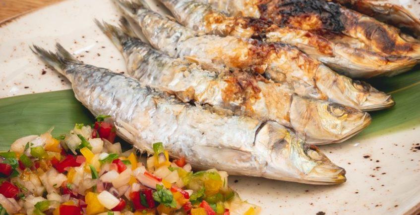 Espetos de sardinas con chalaquita de Musalima de Cádiz