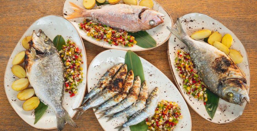 Espetos de sardinas, pargos y doradas en Musalima de Cádiz