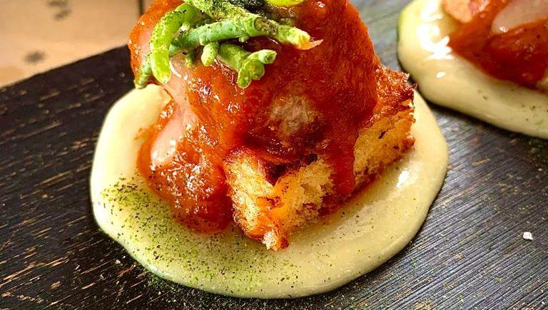 Fuera de Carta, tarantelos de atún sobre brioche, salsa diabla y lemon curd de 4 Estaciones