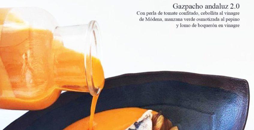 Gazpacho andaluz 2.0, con con perla de tomate confitado, cebollita al vinagre de Módena, manzana verde osmotizada al pepino y lomo de boquerón en vinagre en Pantalán G de El Puerto