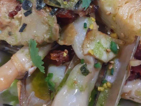 Navajas con alcachofas y tomate seco de Nahu