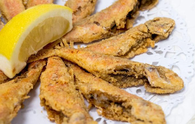 Pescaíto frito en el Restaurante Antonio de Zahara de los Atunes