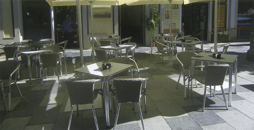 Terraza de Boutade en la calle Consistorio. Foto: Cosasdecome