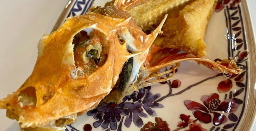 Rubio frito abierto de El Chato de Cádiz