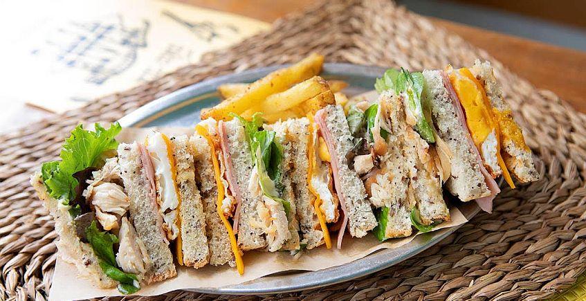 El sandwich de pollo de Saja River cabalga de nuevo
