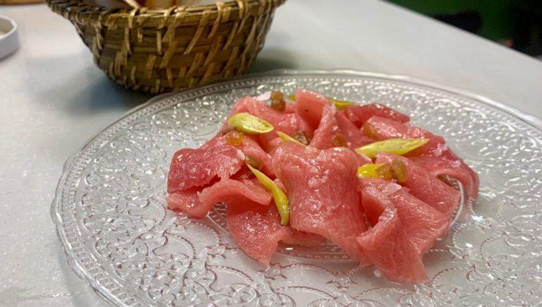 Sashimi de ventresca de atún rojo de Gadira en La Sorpresa de Cádiz
